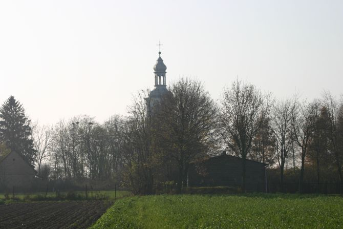 014_church visible from the platform.jpg