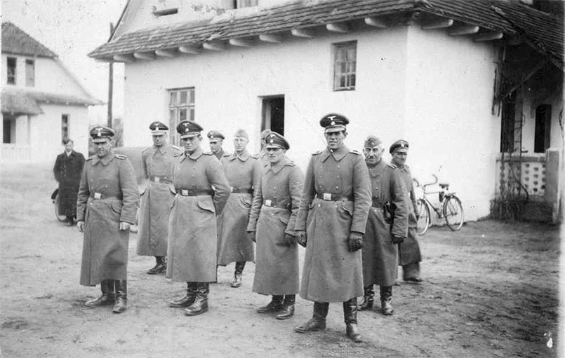 Belzec SS Staff in front of the Camp Administration Building (Source: Chris Webb)